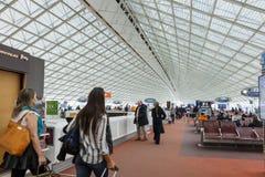 PARÍS - 20 de enero de 2016: Charles de Gaulle Airport, interior, G Foto de archivo