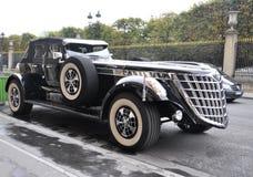 París, el 20 de agosto - coche hermoso del vintage en París Imágenes de archivo libres de regalías