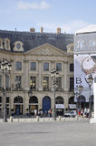 París, el 19 de julio: Edificio histórico de la plaza de Vendome de París en Francia Foto de archivo