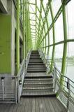 París, el 18 de julio: Les doc. en el banco de río Sena de París en Francia foto de archivo