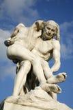 París - estatua del buen samaritano - Tuileries foto de archivo libre de regalías
