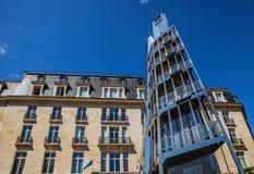PARÍS - FRANCIA - 30 DE AGOSTO DE 2015: Edificio municipal en París, Francia Foto de archivo libre de regalías