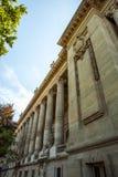PARÍS - FRANCIA - 30 DE AGOSTO DE 2015: Palacio grande magnífico famoso de Palais en París Foto de archivo