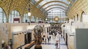 París, Francia - 18 de enero de 2019: Interior del museo de arte impresionista d 'Orsay almacen de metraje de vídeo