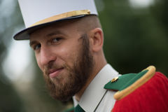 París, Francia - 14 de julio de 2012 El legionario participa en el desfile militar anual en honor del día de Bastille Imagen de archivo