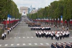 París, Francia - 14 de julio de 2012 Los soldados de la legión extranjera francesa marchan durante el desfile militar anual Imagen de archivo libre de regalías