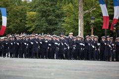 París, Francia - 14 de julio de 2012 Los soldados de la legión extranjera francesa marchan durante el desfile militar anual Foto de archivo