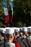 París, Francia - 14 de julio de 2012 Los soldados de la legión extranjera francesa marchan durante el desfile militar anual en Pa Fotos de archivo