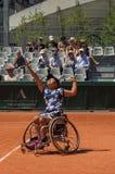 PARÍS, FRANCIA - 10 DE JUNIO DE 2017: Silla de ruedas fi de la mujer de Roland Garros Imagenes de archivo