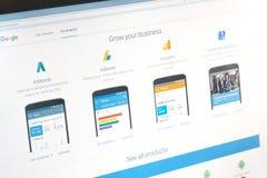 París, Francia - 14 de junio de 2017: Primer en las aplicaciones empresariales de Google (adwords, el adsense, el analytics, mi n Fotografía de archivo