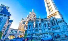PARÍS, FRANCIA - DICIEMBRE DE 2012: Visita Montmartre de los turistas distric Imágenes de archivo libres de regalías