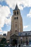 PARÍS, FRANCIA, EL 25 DE ABRIL DE 2016 La iglesia de St Germain en París Fotos de archivo