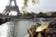 París la ciudad del amor imagen de archivo libre de regalías
