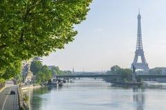 París por la mañana Fotos de archivo libres de regalías