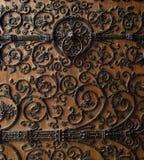 París: puerta tallada madera maravillosa de Notre Dame Ca Fotos de archivo libres de regalías