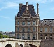 París - vista del Louvre Imagenes de archivo