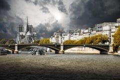 París y el Sena Foto de archivo libre de regalías