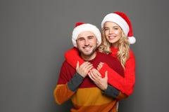 parę kapeluszy Santa young zdjęcie stock