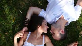 parę miłości na zewnątrz young zdjęcie wideo