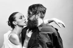 Par för skönhetmodemodell fashion looken Unga stilfulla sexiga par i studio Fotografering för Bildbyråer