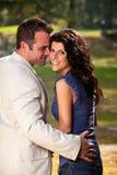 par flörtar lyckligt Fotografering för Bildbyråer