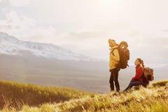 Par góry trekking góry wycieczkuje pojęcie Obraz Stock