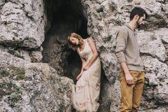 Par i bergen Fotografering för Bildbyråer