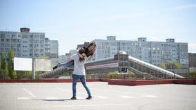 Par i gyckel lager videofilmer