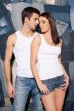 Par i jeans. Arkivfoto