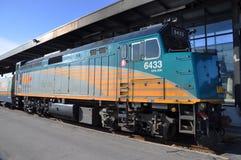 PAR L'INTERMÉDIAIRE de la locomotive Diesel-Électrique Images stock