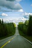Par l'intermédiaire de la route de la Carélie en Finlande Photographie stock