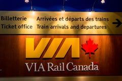 Par l'intermédiaire du conseil de départs de Canada de rail Image libre de droits