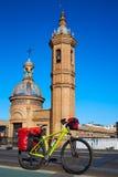 Par l'intermédiaire du vélo de De La Plata au pont Triana Séville Isabel II Image libre de droits