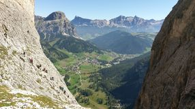 Par l'intermédiaire de Ferratta Tridentina, dolomites, Italie Image stock
