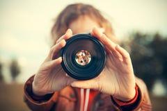 Par l'objectif de caméra Photos stock