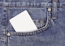 Par la carte de crédit dans la poche de jeans Photo stock