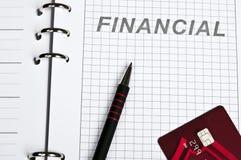 Par la carte de crédit et cahier Image libre de droits
