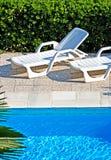 Par la piscine Image stock