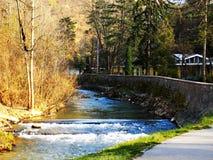 Par la rivière Images libres de droits