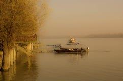 Par la rivière photo libre de droits