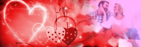 Par med hjärtor för övergång för förälskelse för valentin` s Fotografering för Bildbyråer