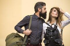Par med påsar arkivfoton