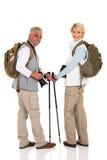 Par med ryggsäckar Arkivfoton