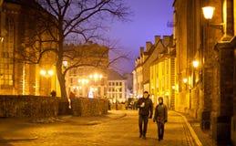 Par på en gata av Riga Royaltyfri Foto