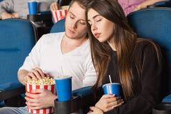 Par på filmteatern Royaltyfria Bilder