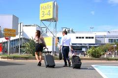 Par på flygplatsen Arkivbilder