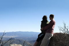 Par på granitberget Fotografering för Bildbyråer