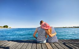 Par på Issyk Kul sjön arkivfoton