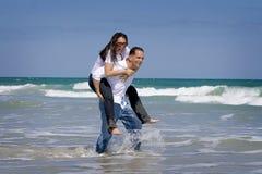 Par på semester Arkivfoto