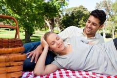 par parkerar att ha picknick Royaltyfria Foton
